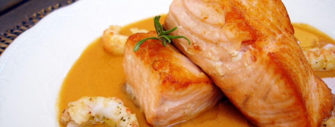 salmon en crema de cigalas
